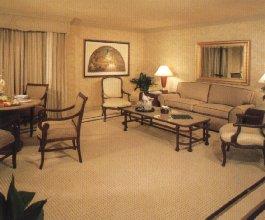 Golden nugget hotel las vegas nevada for Golden nugget 2 bedroom parlor suite